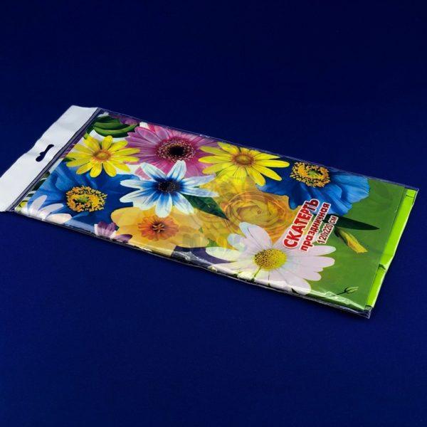 Скатерть одноразовая полиэтиленовая «Цветочная поляна» 120*220см 1/50