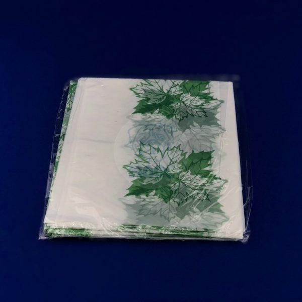 Скатерть одноразовая полиэтиленовая «Кленовый лист» 120*220см 1/200